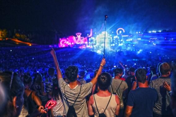 Acht personen proberen Tomorrowland binnen te dringen
