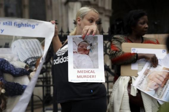 Dokters van baby Charlie met dood bedreigd