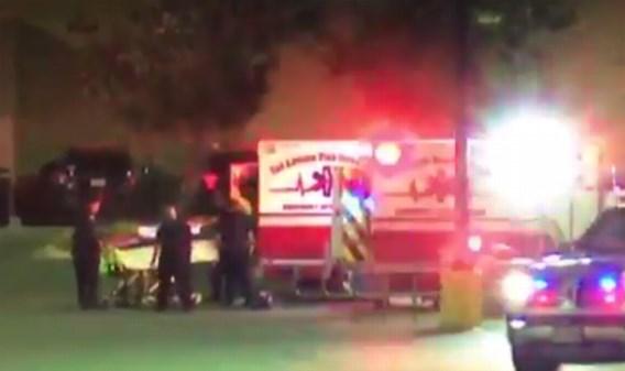 Acht doden en dertig gewonden aangetroffen in vrachtwagen op parking supermarkt
