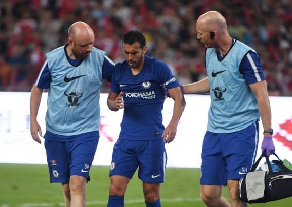 Chelsea-speler Pedro heeft meerdere breukjes in aangezicht na botsing met Arsenal-doelman