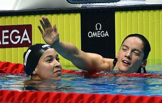 EK ZWEMMEN. Kimberly Buys zwemt naar zevende plaats in historische WK-finale, <B>Amerikaans fenomeen pakt twee wereldtitels in één uur</B>