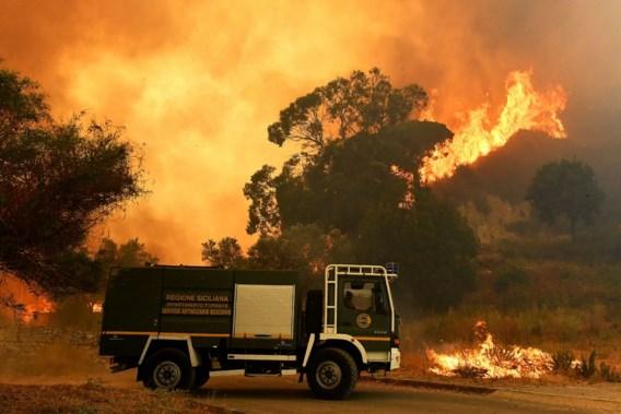 Vrijwillige brandweermannen stichtten zelf brand voor geld