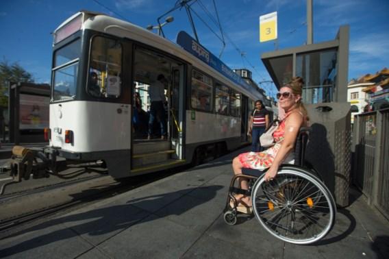 Slechts klein aantal haltes van De Lijn toegankelijk voor mensen met beperking