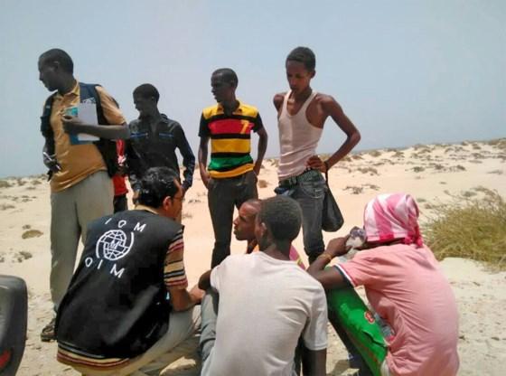 Mensensmokkelaars dumpen minderjarigen in zee: 50 doden