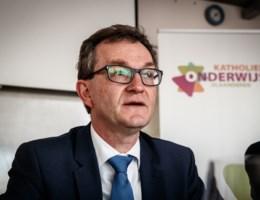 'Laat schooldirecteurs met mandaten aan de slag gaan'