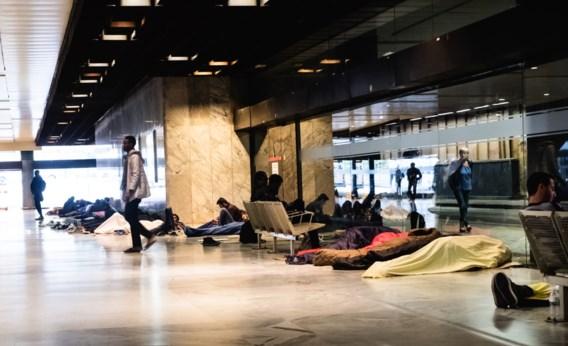 Opnieuw dertig migranten opgepakt na razzia in station Brussel-Noord