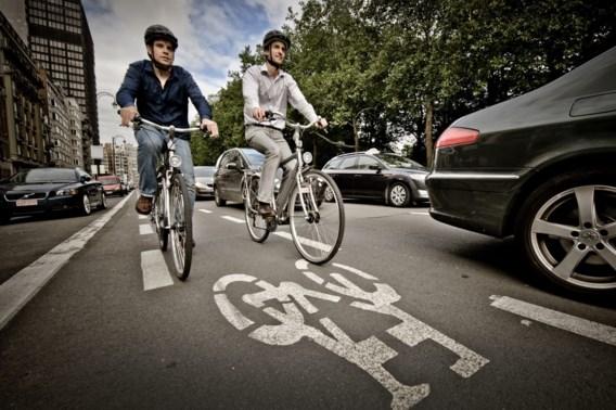 Belg vaker met fiets naar werk,  als weer en infrastructuur meezitten