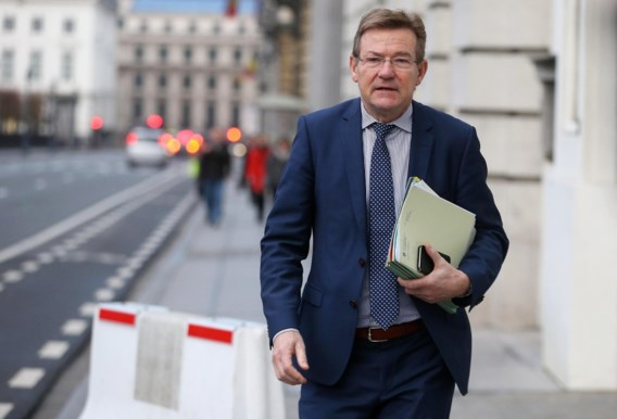 SP.A: 'Van Overtveldt besteedt fiscale controle uit aan grote advieskantoren'