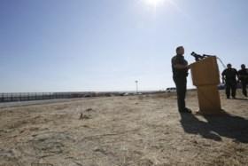 VS beginnen met bouw van prototypes voor grensmuur