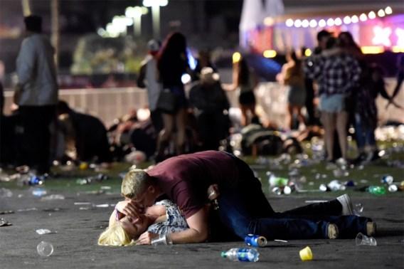 IN BEELD. Chaos en paniek na schietpartij in Las Vegas