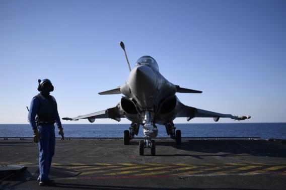 'Vandeput moet Frans aanbod voor een Europees gevechtsvliegtuig serieus nemen'