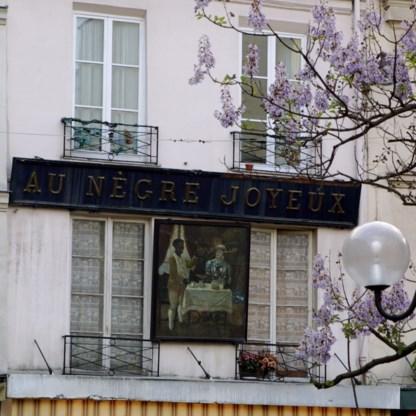 Parijs verwijdert controversieel bord 'Bij vrolijke neger'