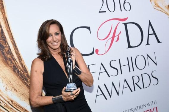 Donna Karan verdedigt Weinstein: ' Vrouwen die zich uitdagend kleden vragen om problemen'