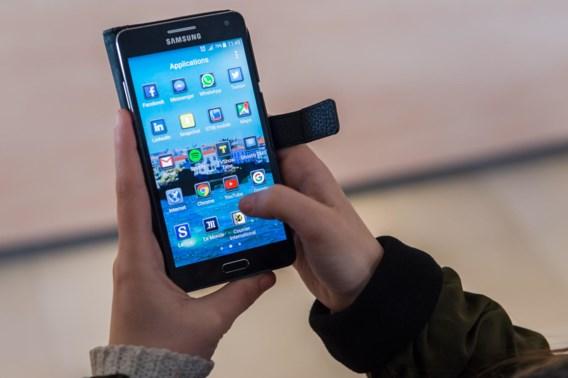 Eén Belg op drie reinigt bijna nooit smartphone