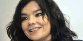 Björk geeft pittige details nadat Von Trier seksuele intimidatie ontkent