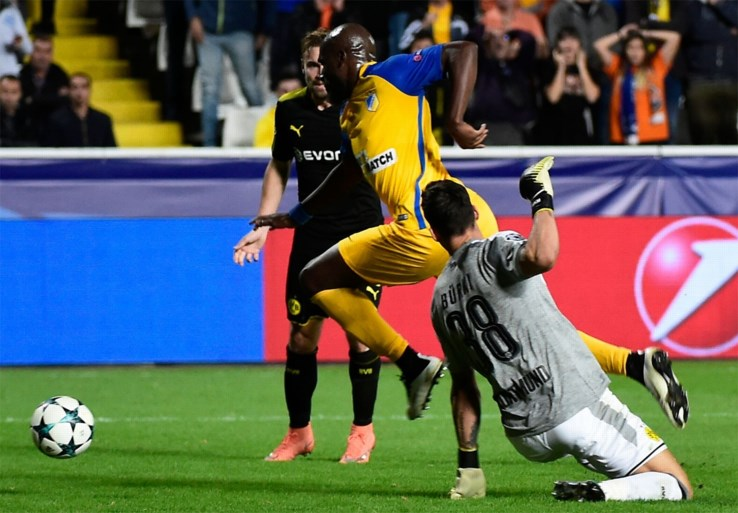 Tottenham speelt gelijk bij Real, flaterende doelman wordt Dortmund bijna fataal in Champions League