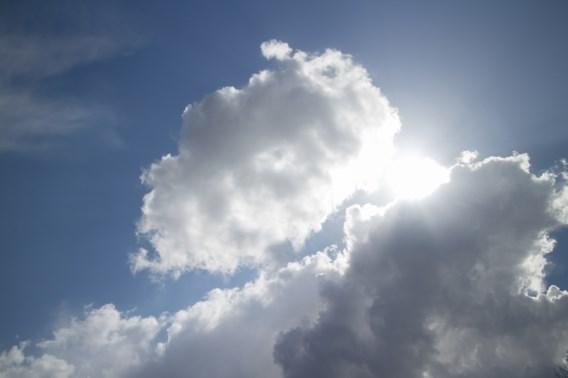 Bewolkt met in de namiddag lichte regen