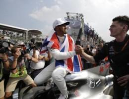 Lewis Hamilton voor de vierde keer wereldkampioen F1, Verstappen wint in Mexico