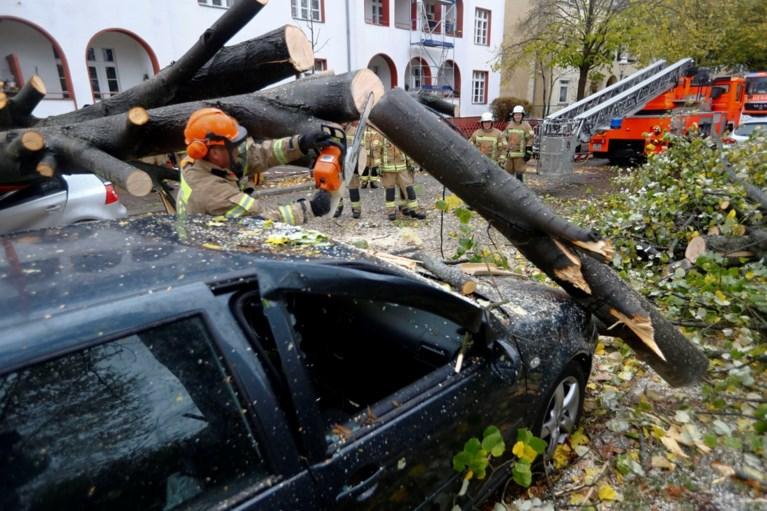 Storm Herwart eist minstens zes doden