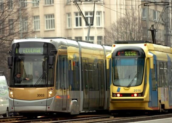 Brusselaar en Antwerpenaar gebruiken te weinig openbaar vervoer