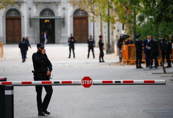 Het Spaanse parket vraagt een internationaal aanhoudingsbevel voor Puigdemont