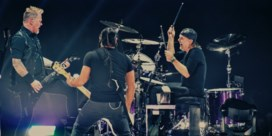Metallica stroopt mouwen op in Sportpaleis