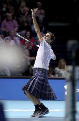 Roger Federer trekt kilt aan bij comeback Andy Murray in liefdadigheidswedstrijd