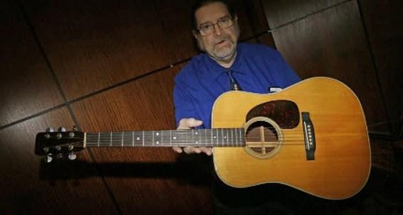 Gitaar van Bob Dylan voor bijna 400.000 dollar geveild