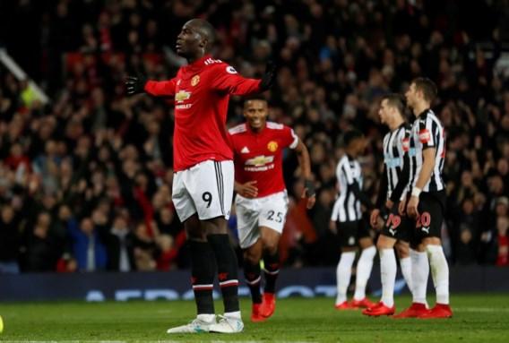Lukaku scoort opnieuw in overtuigende zege voor Manchester United, Ibrahimovic maakt comeback