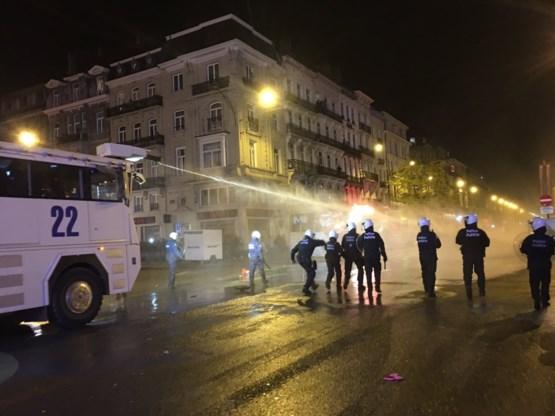 Agent screent elke wedstrijd om nieuwe rellen in Brussel te vermijden