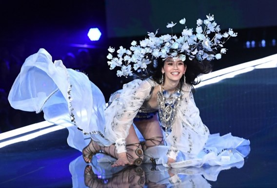 Val van model tijdens show Victoria's Secret toch uitgezonden