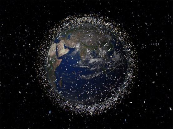 Er vliegt straks een vuilniswagen in de ruimte