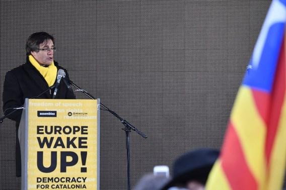 Puigdemont: 'Heb je ooit zo'n betoging gezien om criminelen te steunen?'