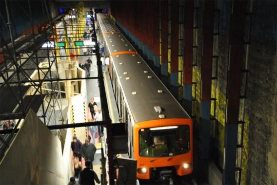 Dode en zwaargewonde na massale vechtpartij in Brussels metrostation Bockstael