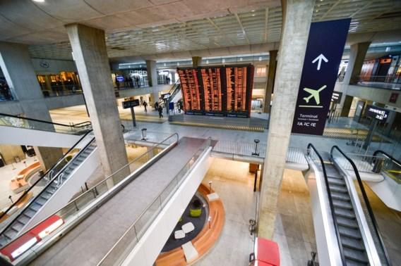 Dakloze vindt 300.000 euro op luchthaven en verdwijnt