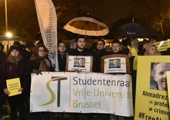 'Bekentenissen van Iraanse professor zijn onder dwang afgenomen'