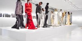 ModeMuseum pakt uit met virtuele expo Olivier Theyskens