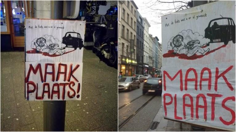 Waar komen die bloederige affiches in het Antwerpse straatbeeld plots vandaan?