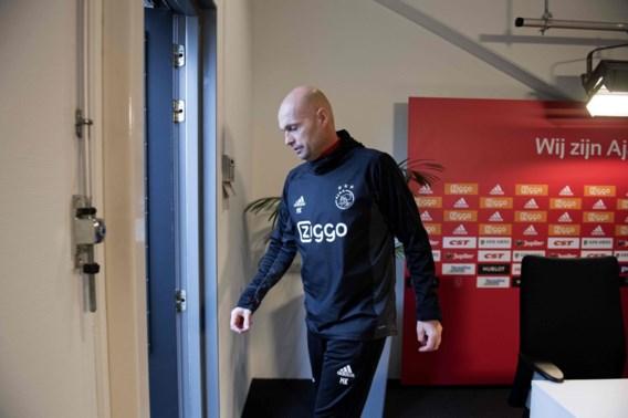 Chaos bij Ajax: Nederlandse topclub zet hoofdtrainer en zijn assistenten aan de deur, Reiziger wordt interim-coach
