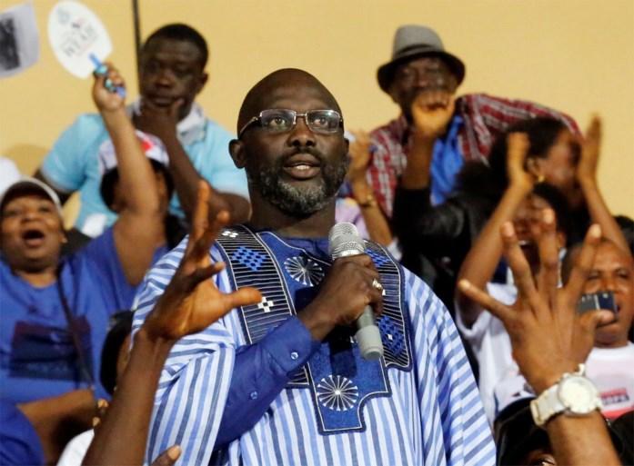 Ex-voetballer George Weah wordt president van Liberia na ruime winst in tweede stemronde