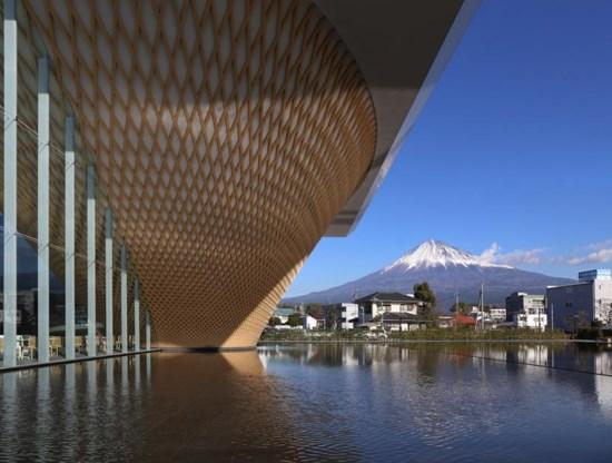 Architect draait heilige berg ondersteboven