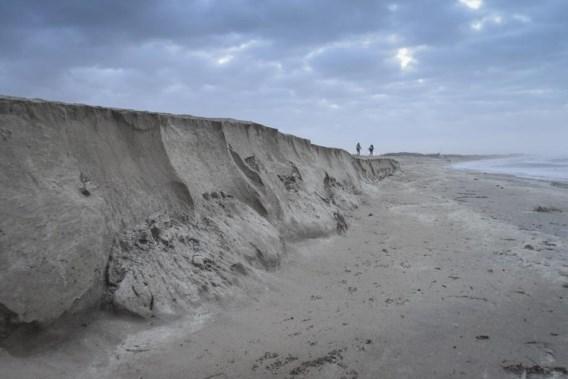 'Miljoenen euro's spoelen weg door stormen: situatie is precair'