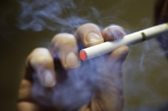 'Pervers dat tabaksindustrie jongeren wil bereiken met<br> e-sigaret'