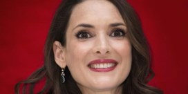 De haarlokken van Winona Ryder stelen de show op Golden Globes