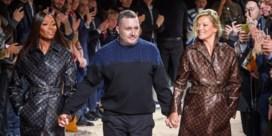 Naomi Campbell en Kate Moss nog eens samen op de catwalk