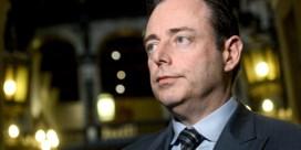 De Wever: 'Geen melding van gevaar in OCMW-rapport'