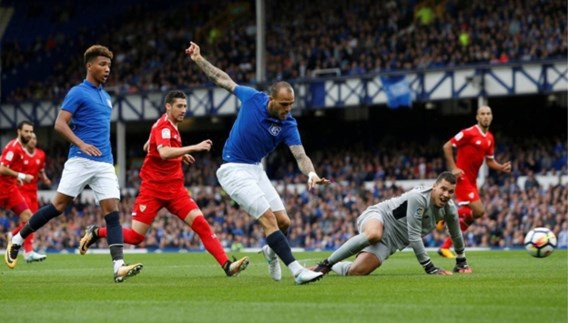 Sevilla huurt Sandro Ramirez van Everton
