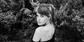 Isolde Lasoen lanceert nieuwste clip