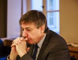 'Minister herinneren aan scheiding der machten'