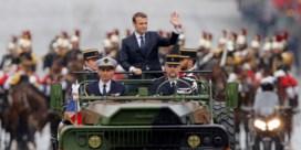 Macron wil jongeren in dienst van het vaderland laten werken